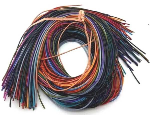 Filo colorato con pendente da 100 cm