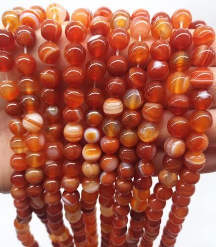 Perle di Corniola 8mm su un filo di 40cm