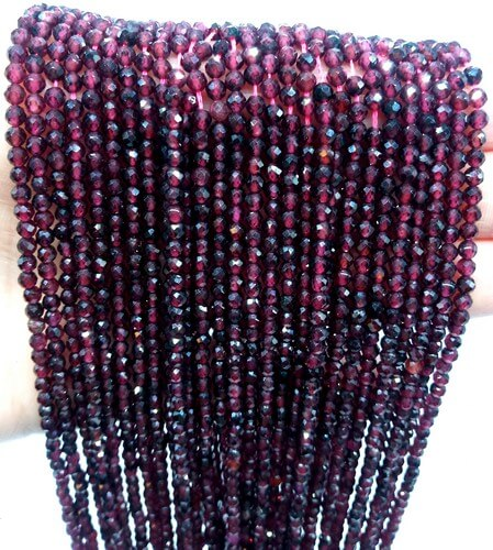 Perles facettées Grenat 2mm sur fil 40cm