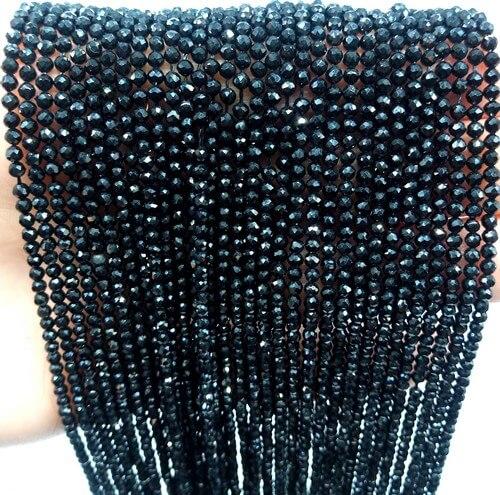 Perles facettées Spinelle Noire 2mm sur fil 40cm