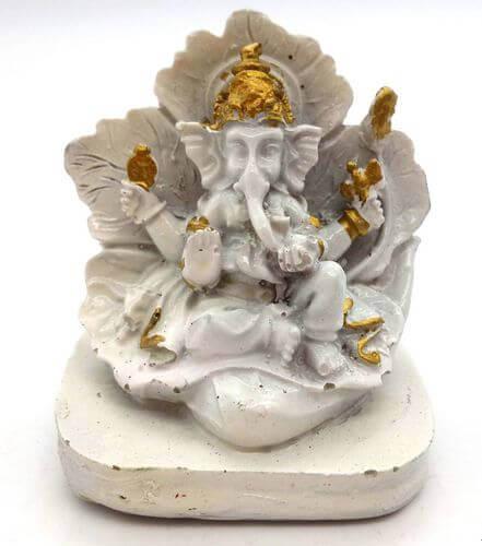 Estatua de resina Ganesh sobre hoja blanca 9cm